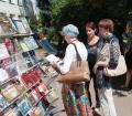 У выставки книжных изданий «Святло Вялікай Перамогі»